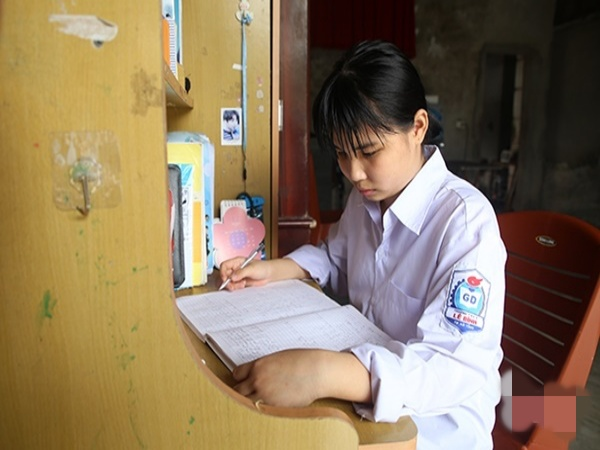 Nữ sinh mắc bệnh hiểm nghèo gửi tâm thư xúc động tới các gia đình sinh con một bề là gái