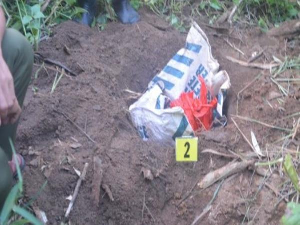 Gia Lai: Người dân bàng hoàng phát hiện thi thể trẻ sơ sinh nặng 3,1kg bị bỏ rơi tại bãi rác