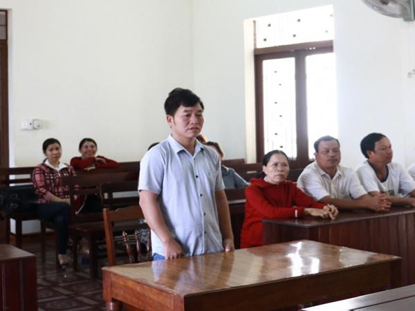 Phó chủ tịch xã lừa đảo nhận tiền chạy việc lãnh án