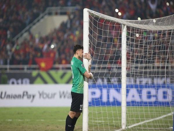 Quá khứ chông gai và đầy nước mắt của thủ thành Văn Lâm trước khi trở thành 'người hùng' của bóng đá Việt Nam