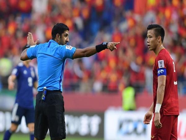Sự kiện lịch sử ở Asian Cup: Pha ghi bàn đầu tiên không được công nhận vì sự can thiệp của VAR