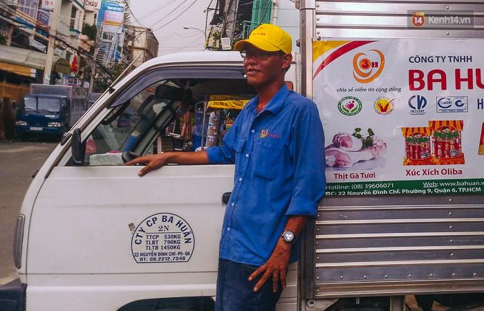 """Tài xế lái xe tải tông sập cửa nhà đang cháy để cứu người ở Sài Gòn: """"Tôi nghĩ chỉ còn cách đó mới phá được cửa"""""""
