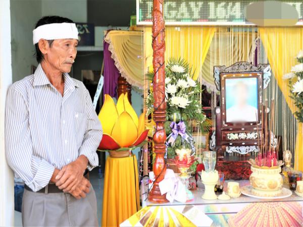 Thảm kịch lật thuyền khiến 5 người tử vong và mất tích ở Quảng Nam: Người đầu bạc khóc kẻ tóc xanh!