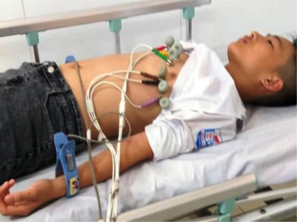 Thanh Hóa: Thầy giáo bị tố tát, đánh khiến học sinh lớp 7 ngất xỉu phải nhập viện