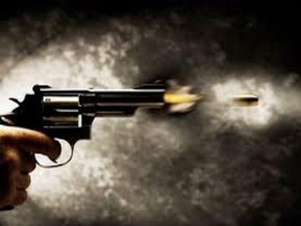 Thanh niên đi ô tô nổ nhiều phát súng vào nhà gia đình cụ ông gần 70 tuổi trong đêm