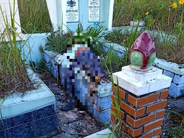 Đà Lạt: Bàng hoàng phát hiện thi thể người đàn ông mặc áo bệnh nhân trên ngôi mộ ở nghĩa trang