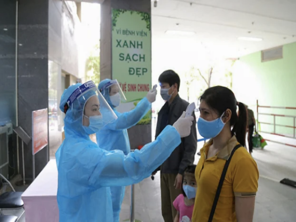 Tối 18/11, Việt Nam thêm 12 ca nhiễm COVID-19