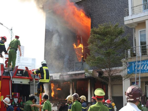 Vụ cháy lớn tại vũ trường ở trung tâm Đà Nẵng: Triệu tập 2 công nhân gò hàn