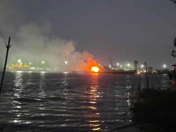 Vụ cháy tàu chở xăng trên sông Đồng Nai khiến 2 người tử vong: Tìm thấy thi thể thứ 3