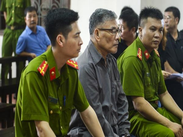"""Vụ cựu phó GĐ truy sát cả nhà em gái ở Thái Nguyên: """"Bố mẹ tôi chết quá oan uổng, lại chết dưới mũi dao của anh trai"""""""