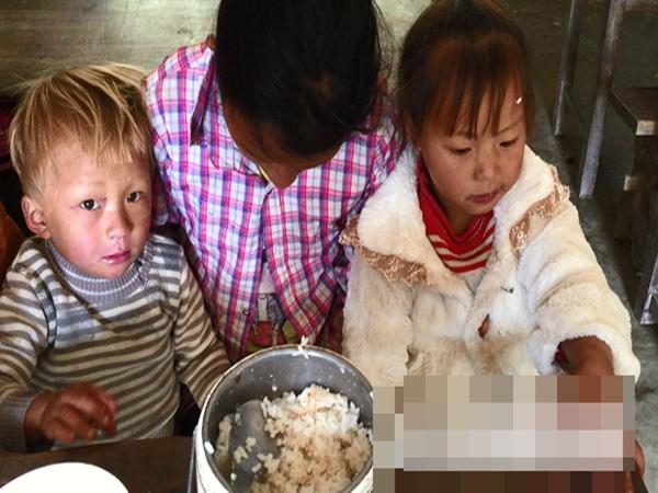"""Vùng đất trẻ em có hai """"của quý"""" ở Hà Giang: Hé lộ nguyên nhân những đứa trẻ bị """"giời hành"""""""