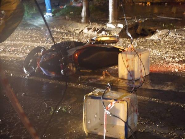 Đà Nẵng: Vướng vào dây điện rơi xuống đường trong cơn mưa, người chồng trẻ bị giật tử vong, vợ bị thương phải vào viện cấp cứu