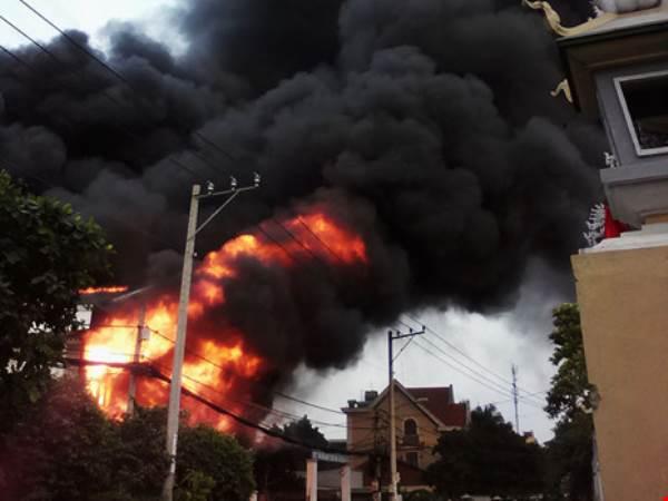 3 người phụ nữ thương vong trong căn nhà cháy ở quận 9 - Ảnh 4