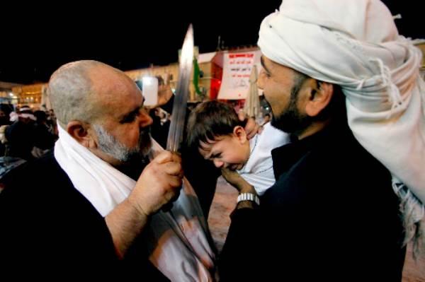 Lễ hội rạch đầu trẻ con của người Hồi giáo - Ảnh 1
