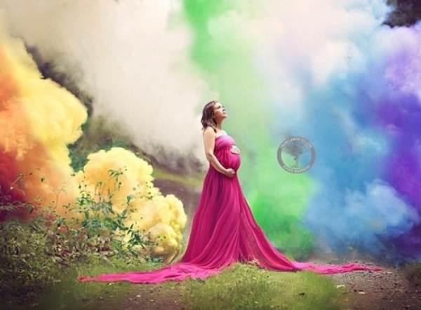Rơi nước mắt bức ảnh của mẹ trẻ với 'em bé cầu vồng' - Ảnh 3