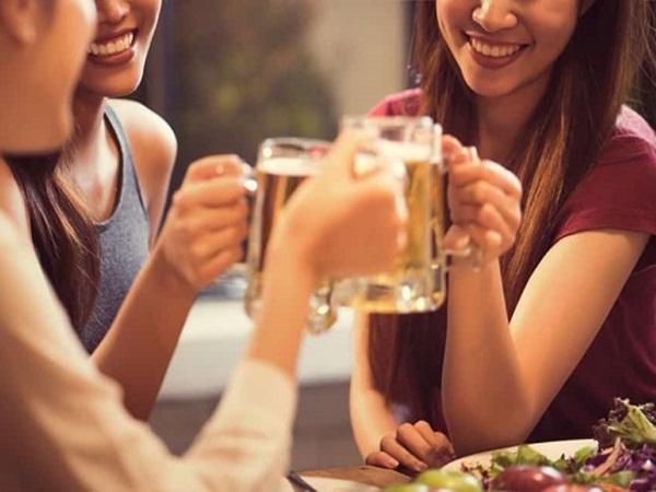 Rượu bia tàn phá cơ thể phụ nữ thế nào?