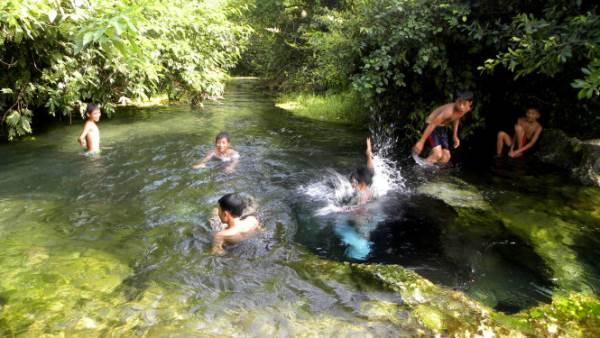 Khe nước đẹp huyền bí xứ Nghệ - Ảnh 1