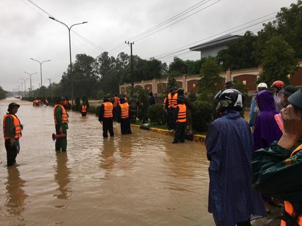 Quảng Trị: Sạt lở đất vùi lấp 6 người trong một gia đình