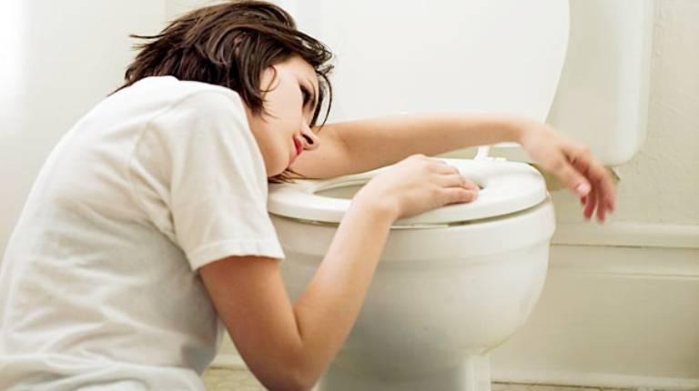 Buồn nôn đầy bụng là bệnh gì? Nguyên nhân và cách chữa trị hiệu quả