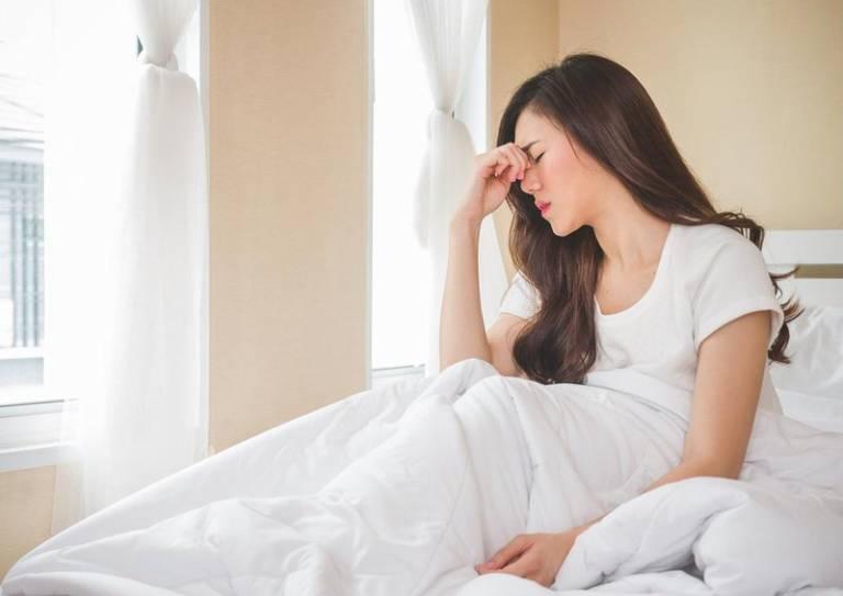 Đau đầu chóng mặt buồn nôn khó thở là bệnh gì? Nguyên nhân và cách khắc phục