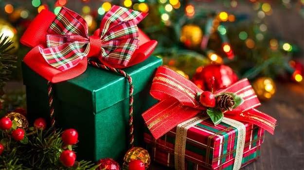 Giáng sinh nên tặng quà gì cho người yêu?