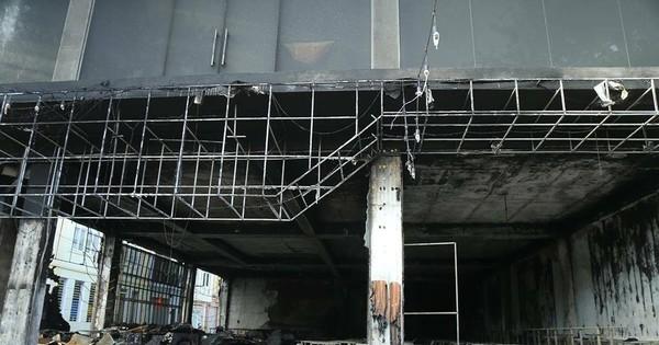 Nhân chứng kể về vụ cháy ở TP. Vinh: 'Thi thể 6 người trong ngôi nhà được đưa ra mà đau thương quá'