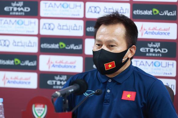 Trợ lý Lư Đình Tuấn: 'Chúng tôi chấp nhận quyết định trọng tài' - Ảnh 1