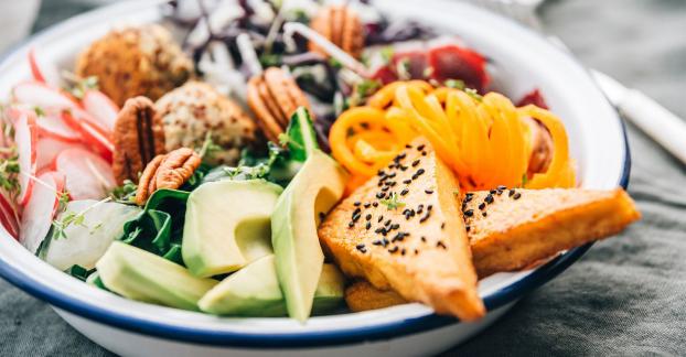 5 mẹo giảm cân hiệu quả cho người trên tuổi 40 mà không cần ăn kiêng - Ảnh 1