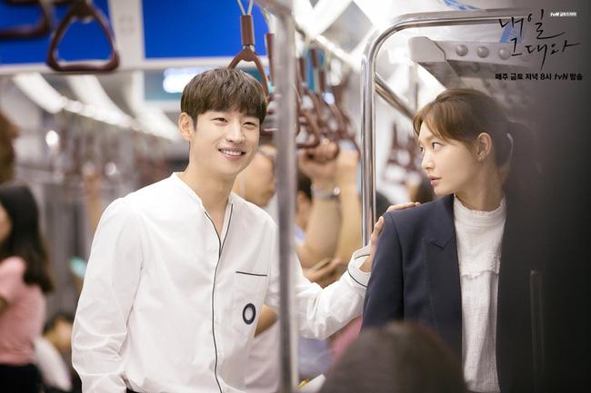 6 nam thần 'không tuổi' ở phim Hàn: Song Joong Ki bị thời gian bỏ quên nhưng 'anh Diệt' Seo In Guk mới gây bất ngờ - Ảnh 21