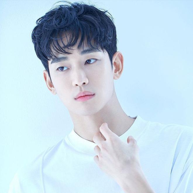 6 nam thần 'không tuổi' ở phim Hàn: Song Joong Ki bị thời gian bỏ quên nhưng 'anh Diệt' Seo In Guk mới gây bất ngờ - Ảnh 7