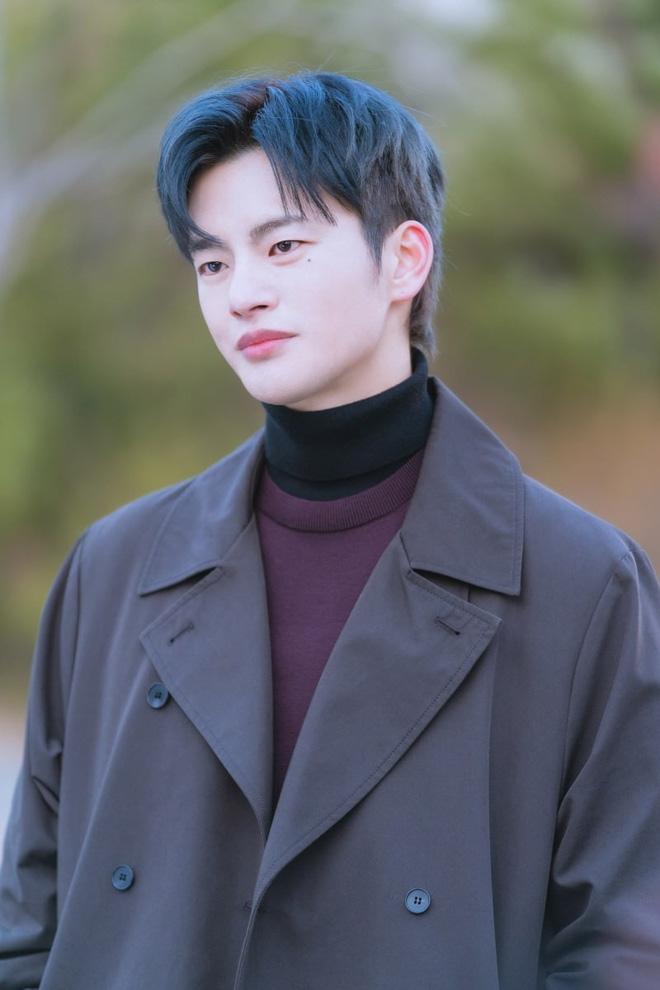 6 nam thần 'không tuổi' ở phim Hàn: Song Joong Ki bị thời gian bỏ quên nhưng 'anh Diệt' Seo In Guk mới gây bất ngờ - Ảnh 28