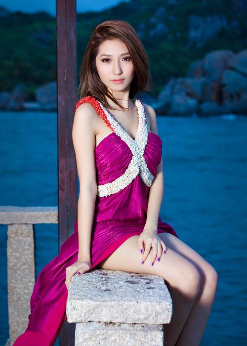 Hậu chia tay ca sĩ Khổng Tú Quỳnh minh chứng cho câu nói 'Phụ nữ đẹp khi không thuộc về ai', body ngày càng bốc lửa khiến dân tình xuýt xoa  - Ảnh 9