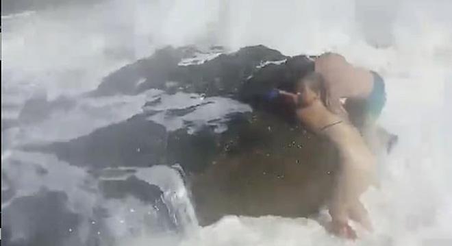 Quay chồng nhảy xuống biển, người vợ đau đớn không ngờ đó là khoảnh khắc cuối cùng ám ảnh cực độ  - Ảnh 6