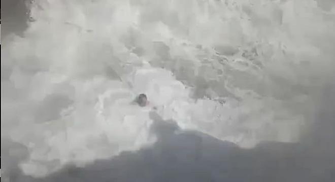 Quay chồng nhảy xuống biển, người vợ đau đớn không ngờ đó là khoảnh khắc cuối cùng ám ảnh cực độ  - Ảnh 7