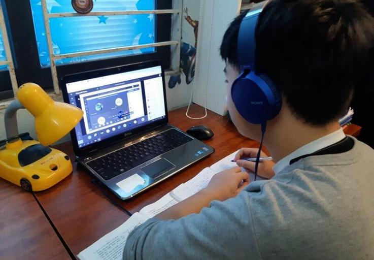Chính phủ đồng ý chi 3.500 tỉ đồng hỗ trợ học sinh, sinh viên khó khăn mua máy tính học trực tuyến - Ảnh 1