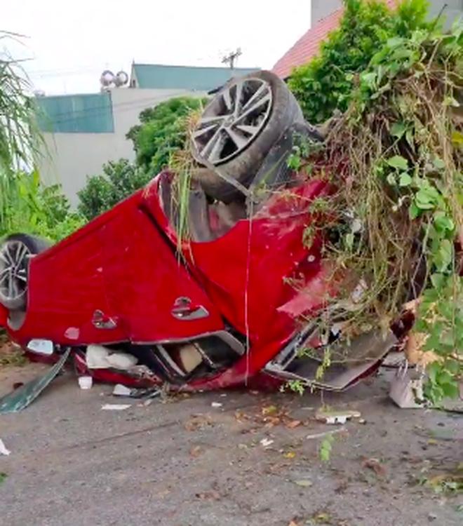 Dân mạng tìm thân nhân cô gái tử nạn bên cạnh Nam Ok trong vụ ôtô bị vò nát kinh hoàng - Ảnh 4