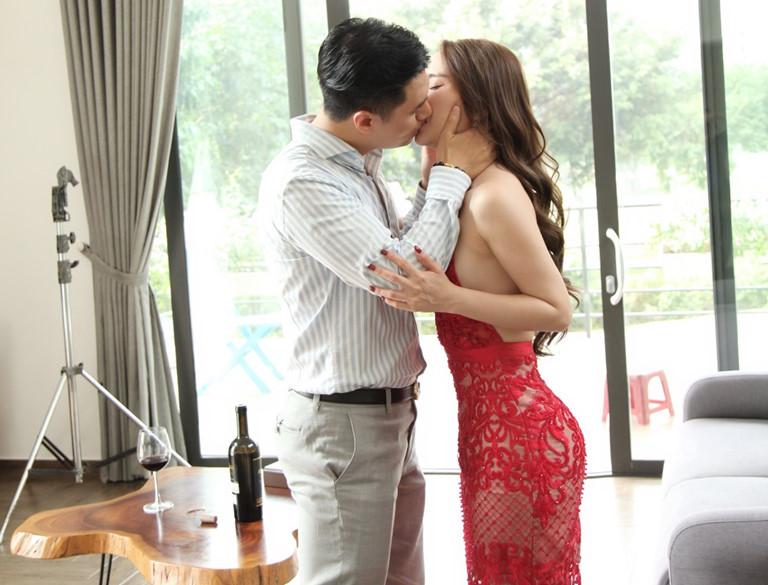 'Chối đây đẩy' nhưng Quỳnh Nga lại bị soi 'dính thính' Việt Anh khi đăng ảnh sexy vào bếp - Ảnh 7