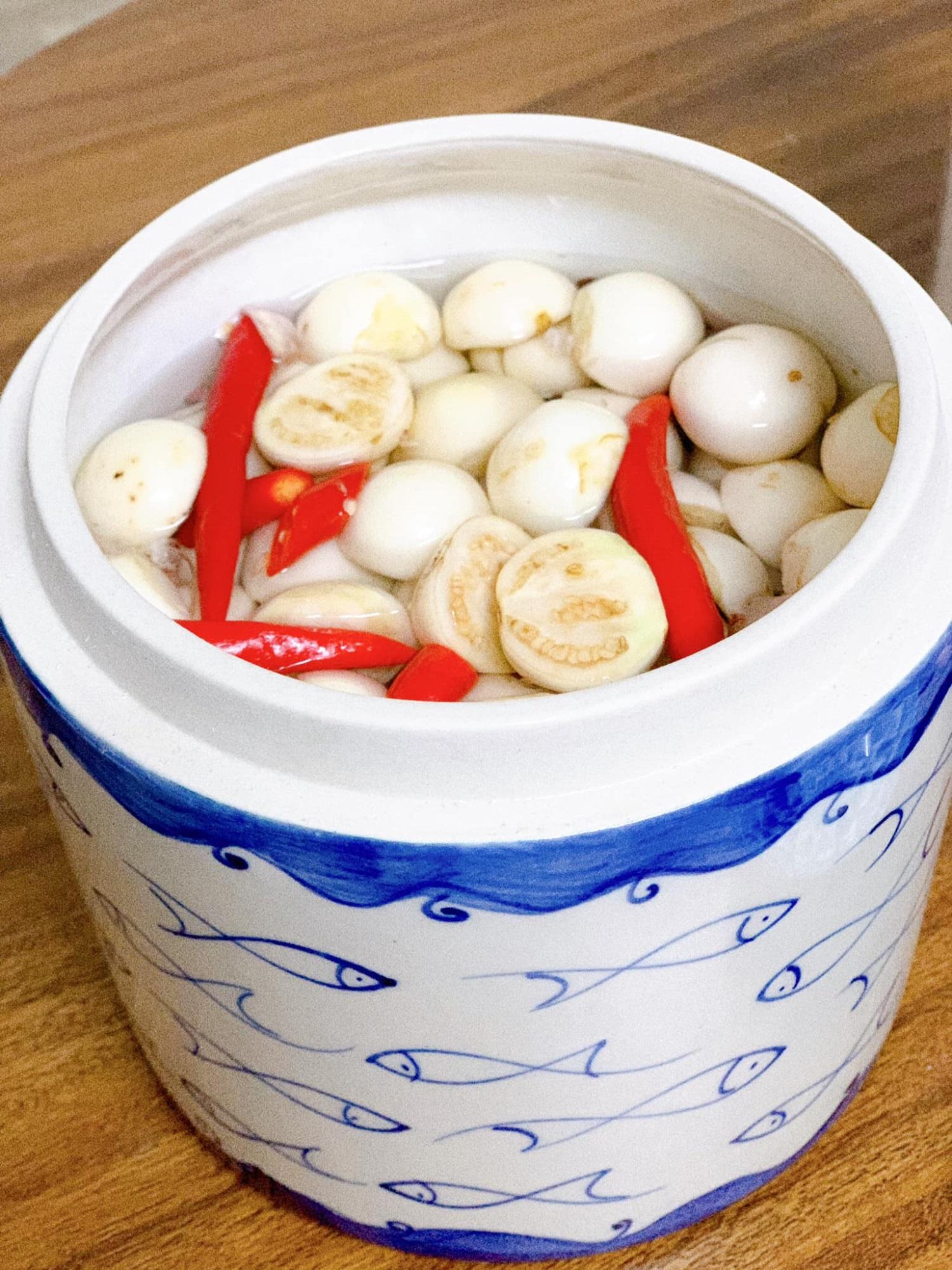 Học ngay cách làm bát cà muối đậm vị giòn rụm ăn kèm rau luộc, ngon 'quên ngày tháng' đấy chị em ơi! - Ảnh 3
