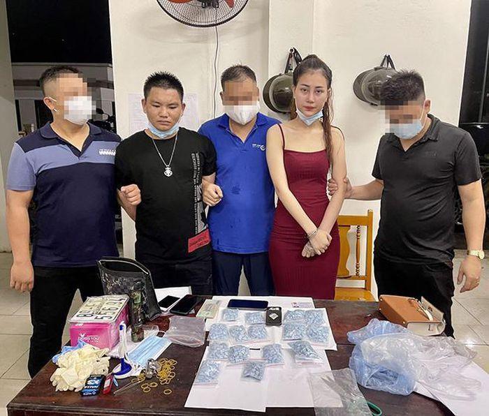 Hot girl Tiktoker Bích Ngọc bị cảnh sát truy nã về hành vi buôn bán ma túy nhưng vẫn tích cực 'khoe thân' trên MXH - Ảnh 1