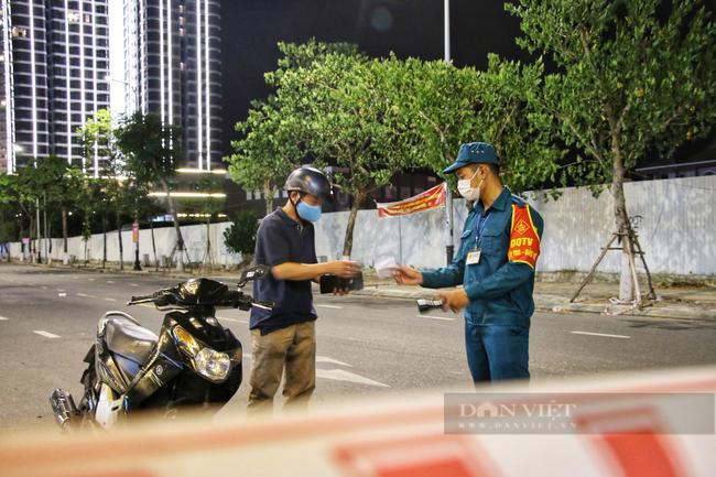 Đà Nẵng: Chi gần 100 tỷ đồng hỗ trợ người dân tại 5 phường mắc Covid- 19  - Ảnh 2