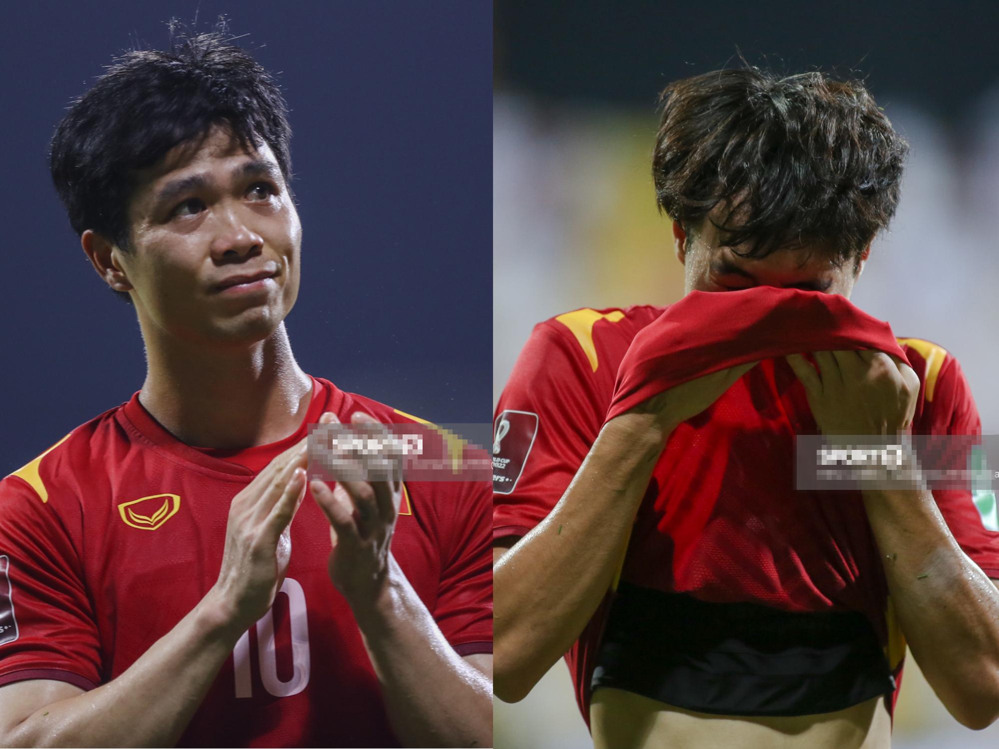 Hình ảnh các anh 'chồng quốc dân' buồn bã, bật khóc rời sân cỏ UAE khiến triệu con tim Việt thổn thức