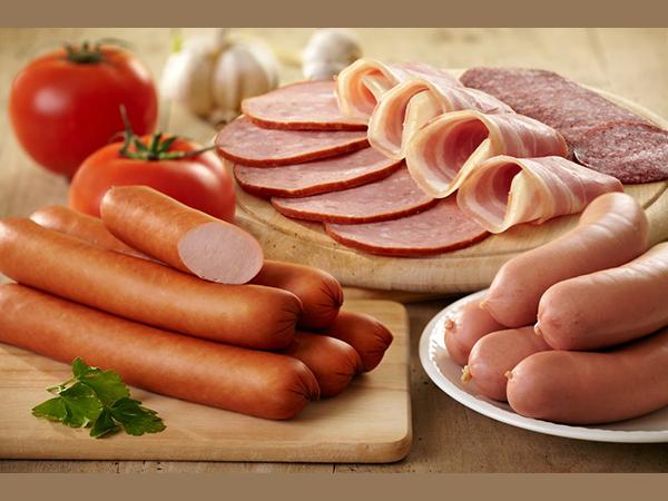 Thịt nguội, xúc xích, pate