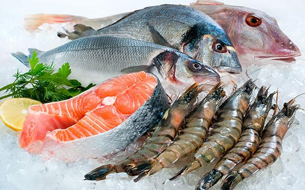 Ngày Tết mẹ bầu nên hạn chế ăn hải sản