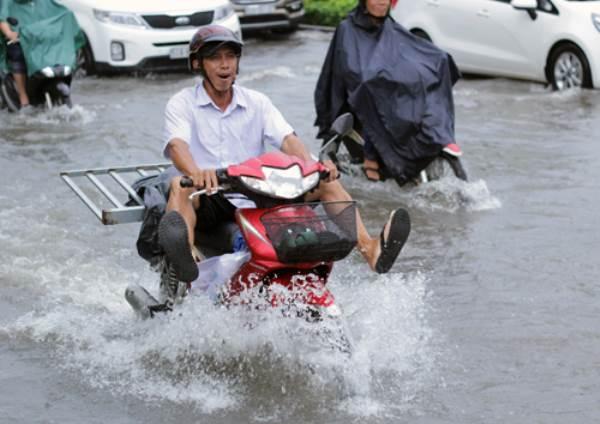 Sài Gòn có thể ngập nặng do triều cường cao nhất năm - Ảnh 1