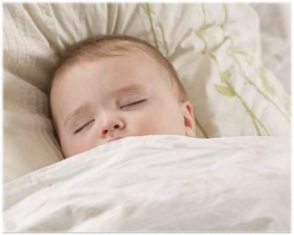 Mách mẹ cách trị chứng tè dầm ban đêm ở trẻ hiệu quả hơn thuốc - Ảnh 1
