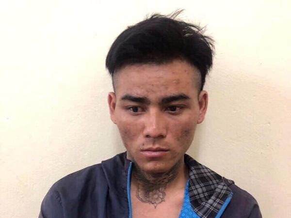 """Nam thanh niên """"ngáo đá"""" dùng dao khống chế con tin cả đêm ở Hà Nội"""