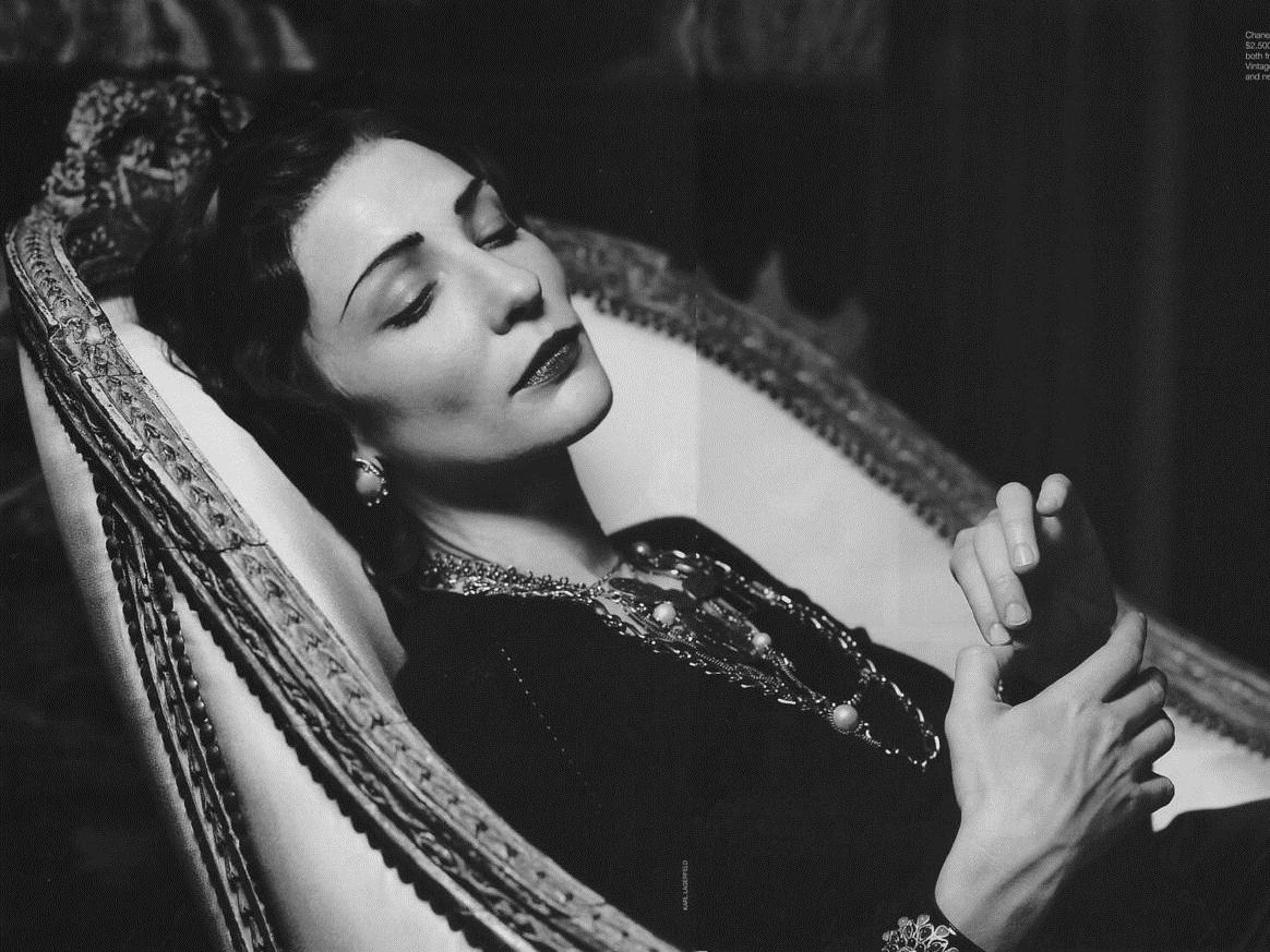 4 điều quý giá mọi phụ nữ nên học từ biểu tượng thời trang Coco Chanel