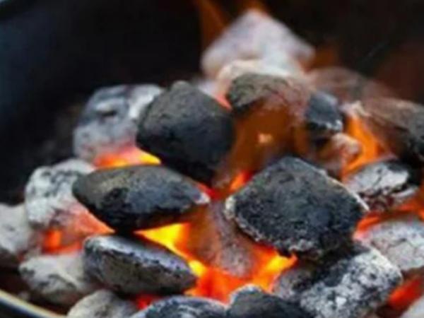 Đốt than sưởi ấm, 5 người trong 1 gia đình nhập viện vì ngộ độc khí than
