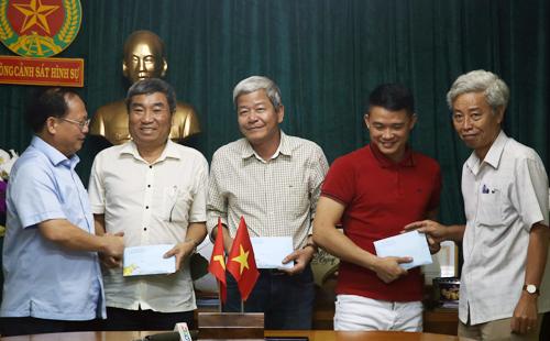 Trắng đêm giao thừa truy bắt kẻ sát hại cả gia đình ở Sài Gòn - Ảnh 3