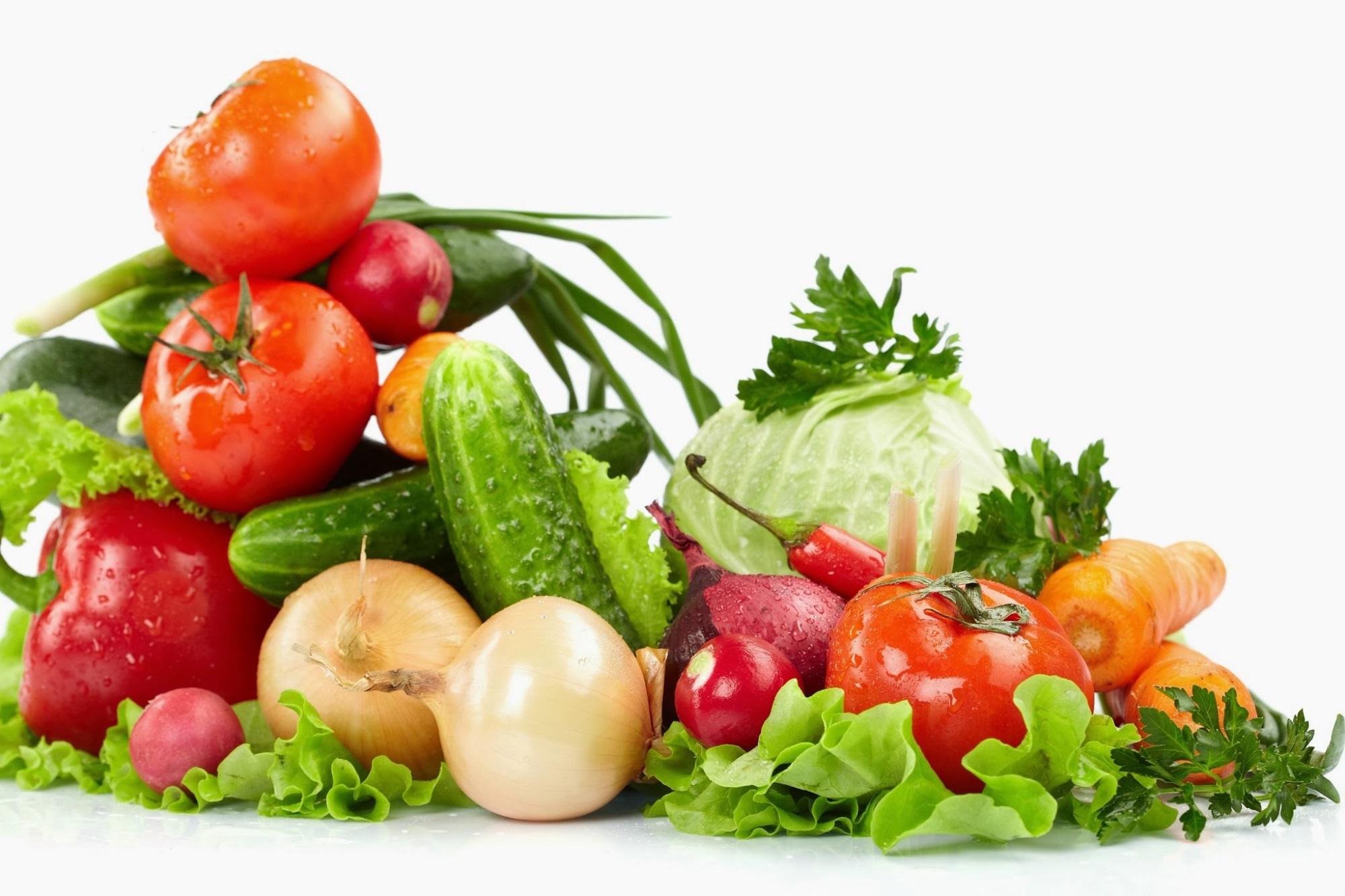 Chế độ ăn uống đủ dưỡng chất mà ít chất béo giúp bé giảm cân